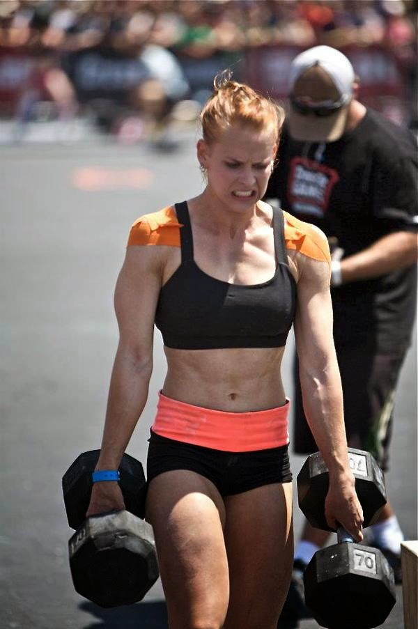 madelyn-maddy-curley-female-crossfit-athlete-sweat-for-it4